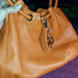 MICHAEL KORS ORANGE LEATHER HANDBAG